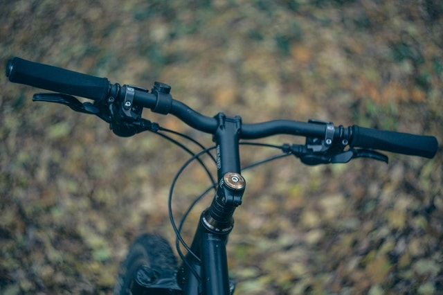 How to Raise Handlebars on Mountain Bikes